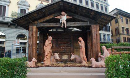 Il presepe sul sagrato del Duomo di Firenze: la benedizione del cardinal Betori