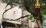 Crolla parte di capannone a Firenze: 8 famiglie vicine evacuate – FOTO E VIDEO