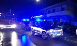 Tenta di accoltellare i militari, poi si barrica in casa minacciando di incendiarla: arrestato 57enne di Comeana