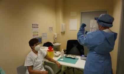 Immunità di massa entro agosto: per raggiungerla in provincia di Firenze servono 7170 vaccini anti Covid al giorno