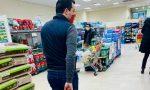 Salvini posta le foto della spesa al supermercato di Firenze e i social si scatenano