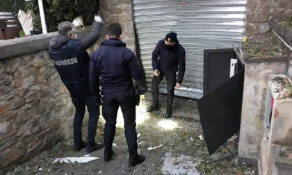 Esplode un ordigno in via Gabbugiani a Firenze: danneggiata la saracinesca di una pizzeria
