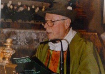 Addio a don Fiaschi, il parroco degli Alpini