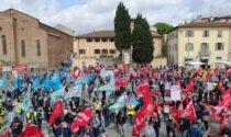 Prato, lo sciopero-protesta di questa mattina dopo la morte di Luana
