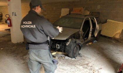 Polizia provinciale di Prato al lavoro per rimuovere i veicoli abbandonati sul territorio