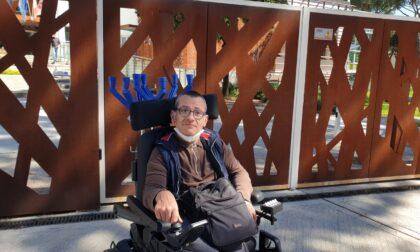 """Scuola senza rampa disabili all'entrata principale, sopralluogo di Marco Becattini (FI): """"Una discriminazione bella e buona"""""""