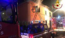 In fiamme una cucina in via Bologna a Prato: sul posto i Vigili del Fuoco, nessuna conseguenza per i due abitanti