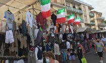 Al mercato di Sesto Fiorentino un tricolore di 50 metri per tifare azzurri: l'iniziativa di Assidea