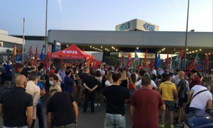 Tutta la politica scende in campo per i lavoratori della Gkn: oggi pomeriggio alle 16.30 nuova assemblea