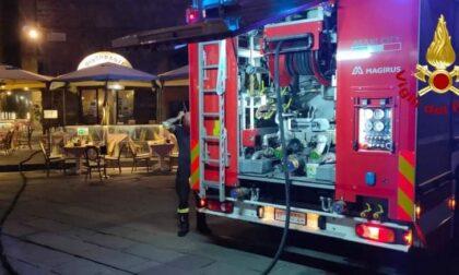 Incendio in piazza Signoria: va a fuoco la cucina di un ristorante