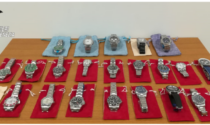 Cerca di vendere un Rolex tarocco... ai Carabinieri