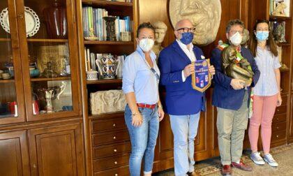 Il Rotary Club Bisenzio-Le Signe dona una statua di Renato Bertelli al Comune di Signa