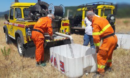Vab e Comune portano due cisterne d'acqua a Cava Volpaie per abbeverare gli animali selvatici e rapaci