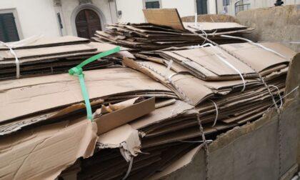 Trasporto irregolare di cartone, sequestrato furgone e carico
